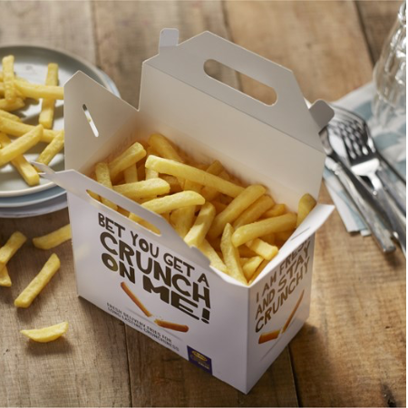 Take away box fylld med pommes frites